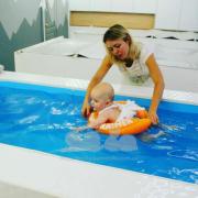 Круги Swimtrainer в новом бассейне для новорожденных Baby spa Харьков