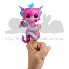 Интерактивная игрушка Дракончик на палец Fingerlings розовый