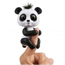Интерактивная игрушка Панда на палец Fingerlings черная